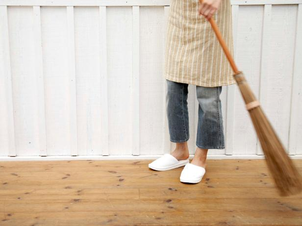 Easy, Cheap and Green Cleaning Tips for Floors