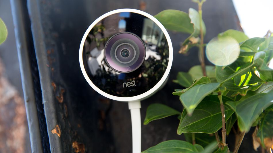 Security hole lets burglars knock out your smart home camera