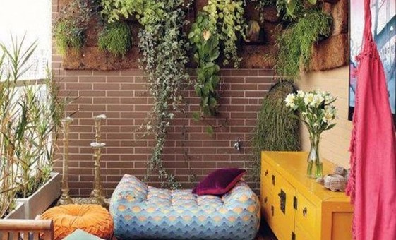 Find Your Urban Oasis With These Charming Balcony Gardens