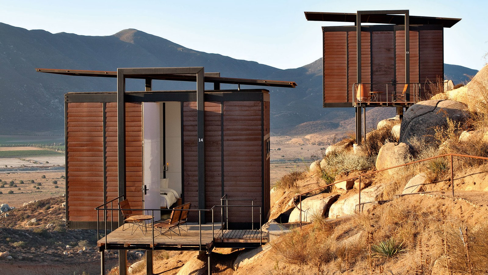 17 Tiny Buildings with Huge Ambition